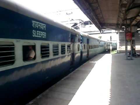 22404 New Delhi-Puducherry Express