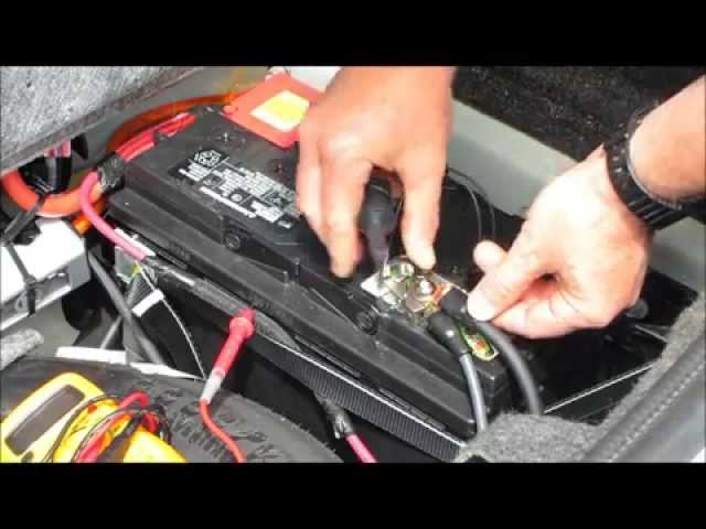 What Can Drain A Car Battery? Here Are 6 Common Reasons To