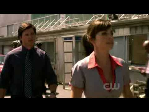 Smallville - 9x04 - Echo - Clark discovers that he is able to hear Lois