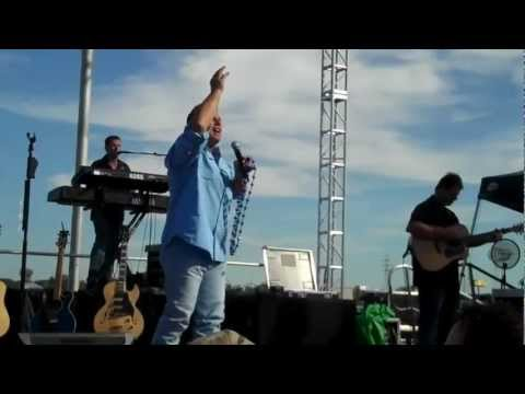 """LIVE! Sammy Kershaw """"Third Rate Romance"""", """"Queen of My Double Wide Trailer"""""""