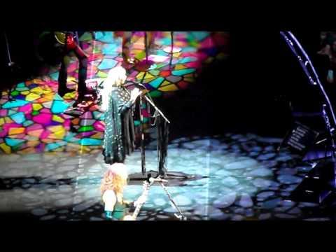 Stevie Nicks - Crying In The Night (Uses the F word) - Verizon Center - Washington DC - 11/14/16