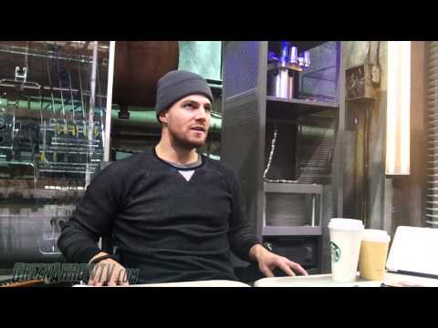 Arrow On Set: Stephen Amell Season 3 Interview