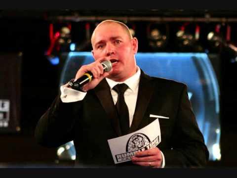Professional Announcer Dave Davis talks to Funky Monkey MMA Radio