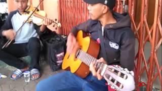 Pengamen Keren dari Bandung Viral di Medsos