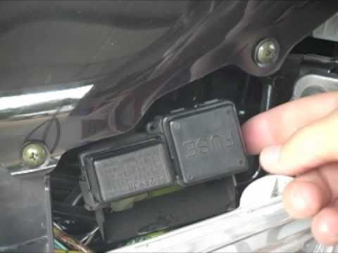 03 06 suzuki burgman 400 fuse box location youtube rh youtube com