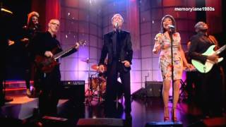 Cliff Richard & Freda Payne - Saving A life. Performed on Loose Women 12/01/11