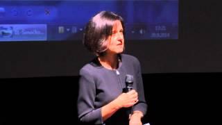 Lze skrze právo dosáhnout spravedlnosti? | Kateřina Šimáčková | TEDxKroměříž