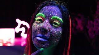 Karanlıkta Parlayan Neon Makyaj | İnanılmaz!