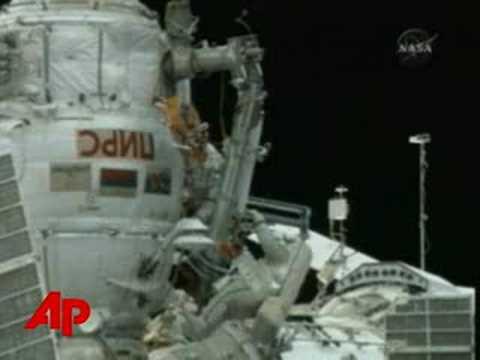 Cosmonauts Risk Life, Remove Explosive Bolt