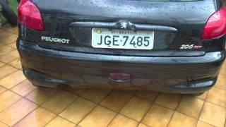 Hornet vs Peugeot cortando giro