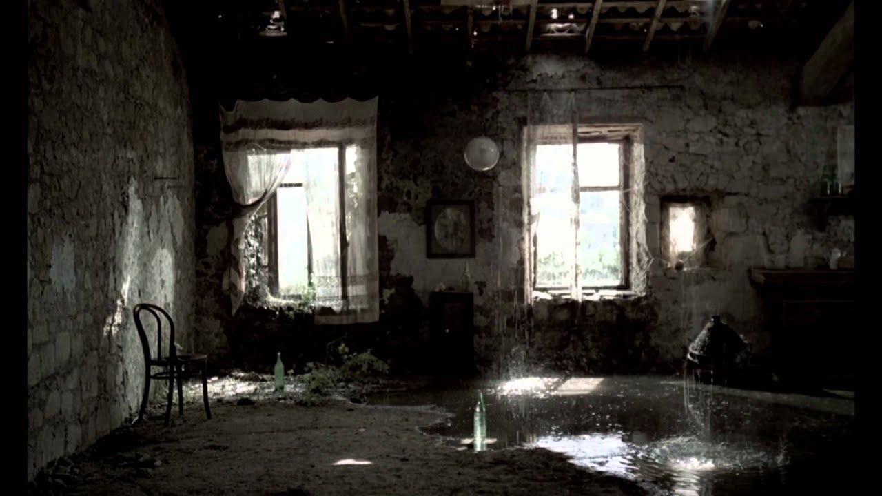 Nostalghia directed by andrei tarkovsky youtube for Miroir tarkovski