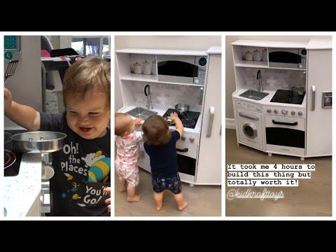 Ryan Seacrest - Sisanie's Latest Mom Tip: Build a Play Kitchen!
