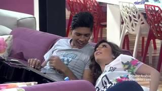 محمد شاهين يحاول تعليم ليا اغنية انت عمري - Lea Makhoul & Mohammad Chahine Singing in Arabic