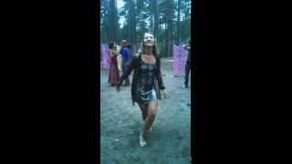 Я танцую на дискотеке в Ошо-лагере