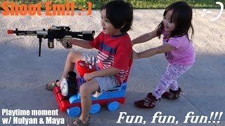 Thomas the Tank Engine Ride-On PLaytime at the Park w/ Hulyan & Maya