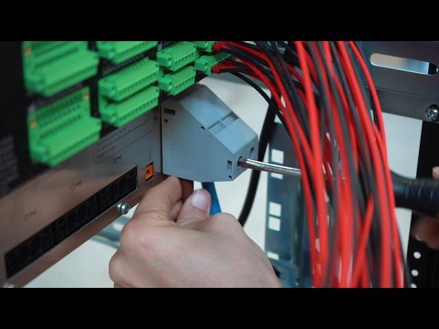 Cablaggio armadio rack con apparecchiature attive per sistema Enac
