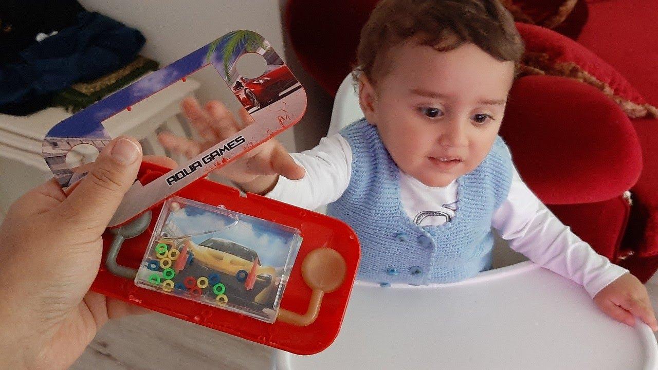 Efe okuldan geldi oyuncağının kırıldığını görünce çok üzüldü. لعبة EFE مكسورة