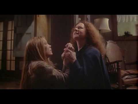 Trailer do filme Carrie - A Estranha