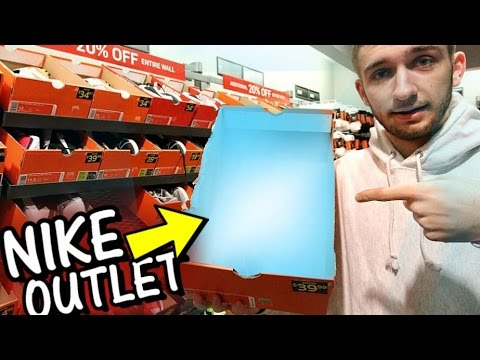 Nike Outlet Shopping Sneaker Steals
