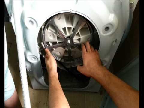Cмотреть видео онлайн Как заменить ремень стиральной машины