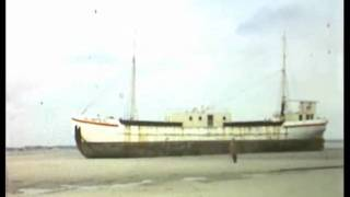 Radio Uilenspiegel gestrand in Cadzand (nl) winter 1962.mp4
