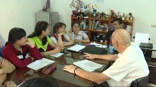 (VTC14)_Lớp học tiếng Anh ông tây già ở Nha Trang