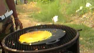 www.tito.com - los muchacho aprendiendo hacer cachapa jajaja