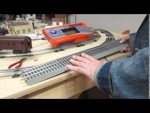 Wiring Lionel Trains Automatic Gateman with  the Fast Track Accessory Activation Track
