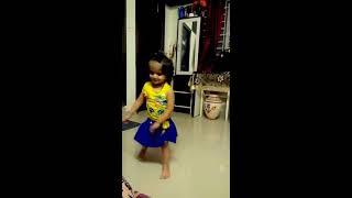 Chitiya Kaliya Ve 2 years old baby kid dance