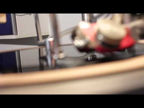 Cutting Acetate Dubplates at Unit 8 Recording Studios - vinyl record pressing