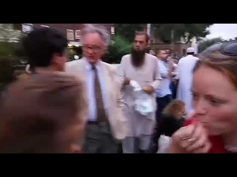 UK Biggest Iftar In  Open Air.. Must watch it