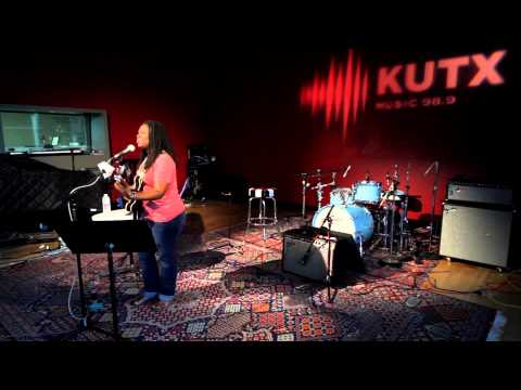 """Ruthie Foster - """"Singing The Blues"""""""