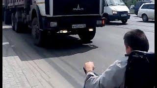 Инвалид-колясочник снял видео о недоступной городской среде