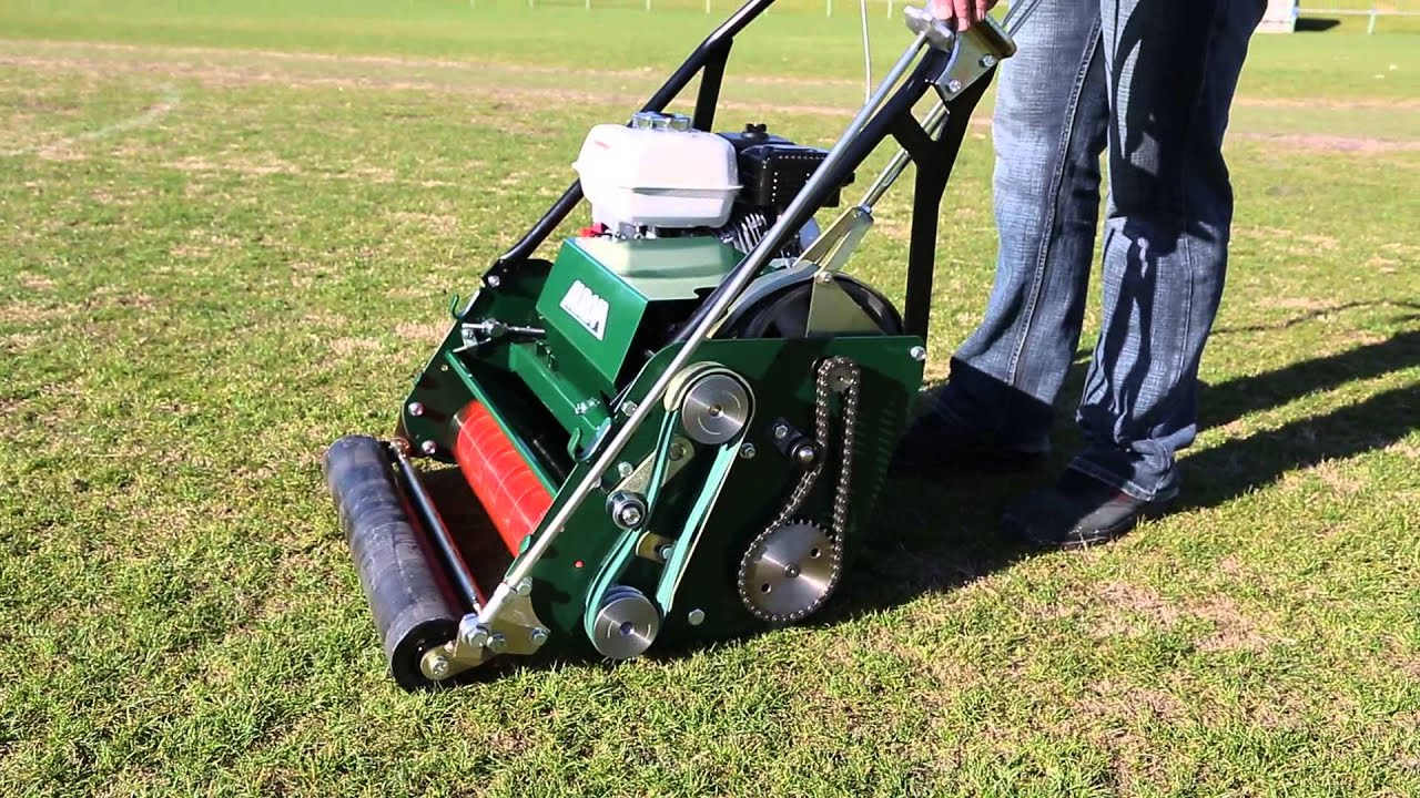 Alroh Nbct 26 Commercial Cylinder Mower Youtube
