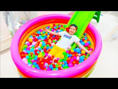 Видео про детей как они играют в игрушки