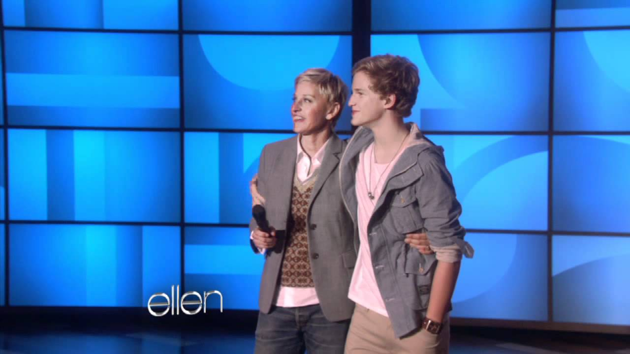 Web Exclusive: Cody Simpson Meets a Few Fans!