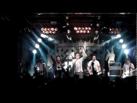 Kraftklub feat. Casper - Blitzkrieg Bop (Hey ho let´s go) Live in Chemnitz 28.12.2011