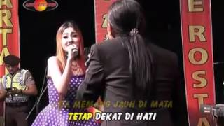 Gambar cover MENGGAPAI CINTA   NELLA KHARISMA FT AGUNG JUANDA THE ROSTA VOL 15   MP3 Download STAFA Band