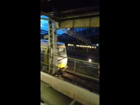 16.06.2016 Train crash in London at Paddington station.Major disruptions