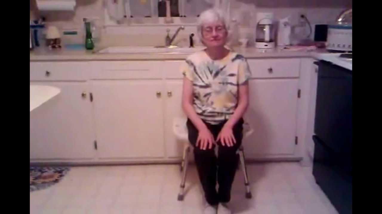 Старушки на кухне смотреть ролики, двое жестко трахнули молодую блондинку