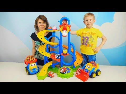 МАШИНКИ и Гоночный трек с Батутом и Краном - Весёлое видео для детей про Машинки