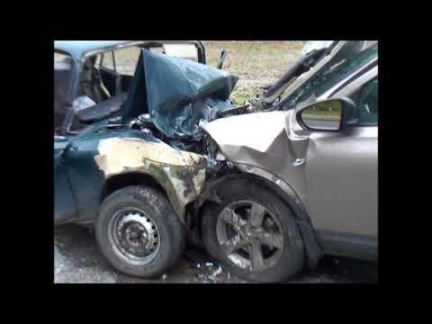 Рядом с Курском в аварии погибли два человека и ранены еще четыре (18+)