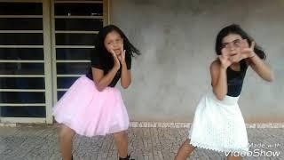Dançando But psycho Ava max