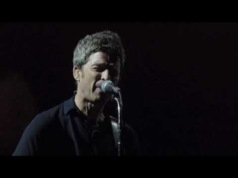 Noel Gallagher - Dead In The Water [Live...