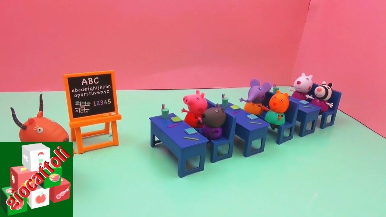 Set Della Classe Di Peppa Pig Aula Di Scuola Di Peppa Pig Scuola