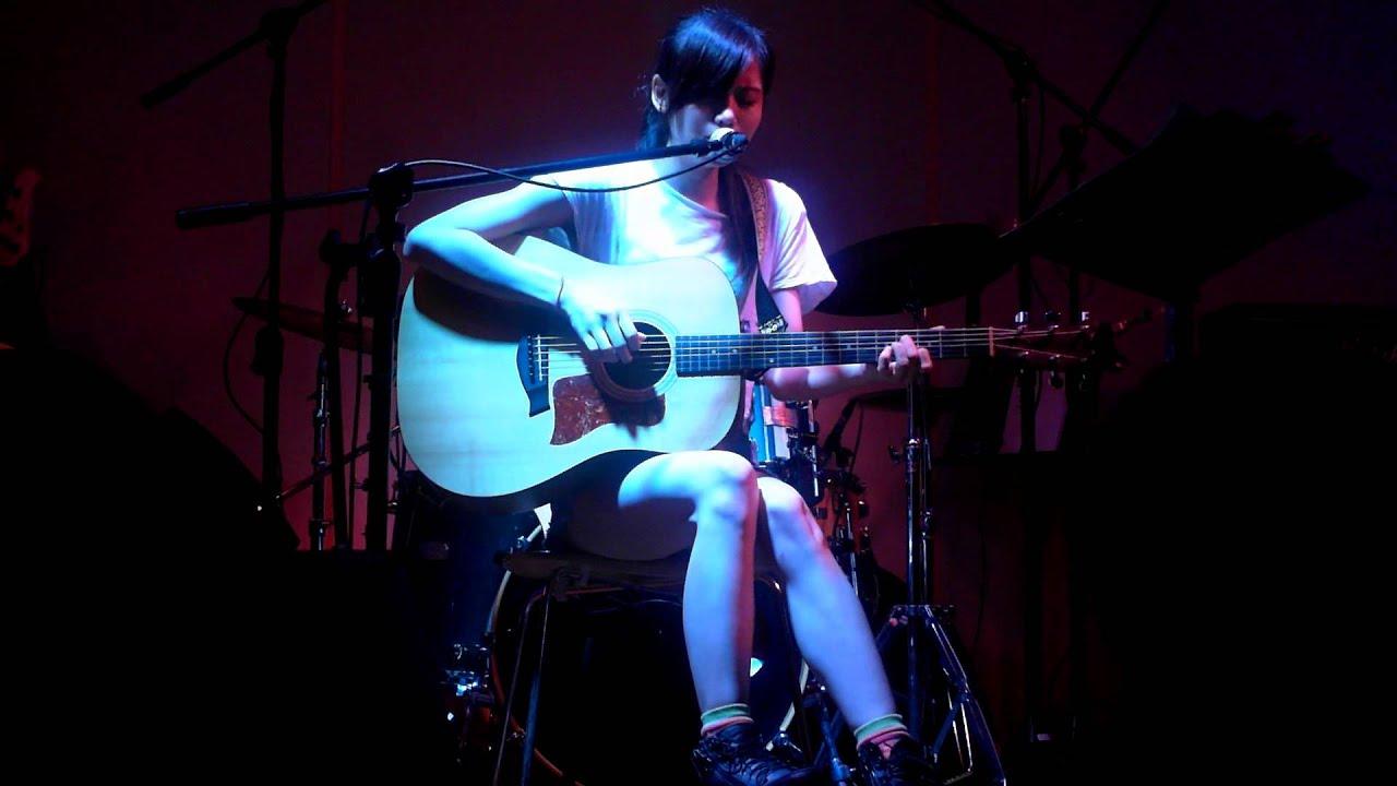 2013/8/3 曾靜玟+吳汶芳 -夜盲癥@桃園ThERE CAFE - YouTube