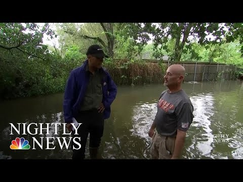 In Moment Of Crisis, Houstonians Come Together | NBC Nightly News