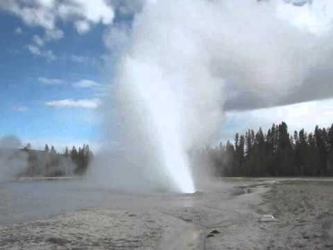 Yellowstone geysers & hot springs (part 3)