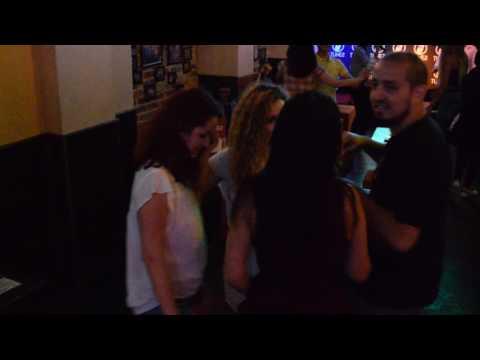 Toate Sogoritele Karaoke At Tunes Pub Bucharest