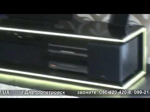 красивая высокоглянцевая тумба для телевизора и аудио